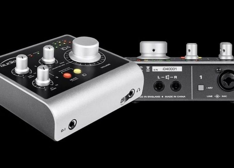 iD4 |  Audio Interface 2in/2out