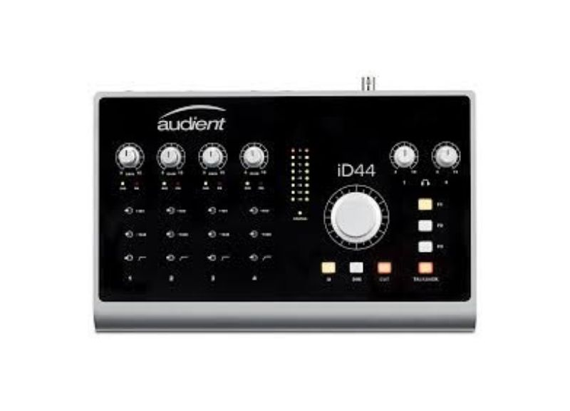 iD 44 | Audio Interface 20in/24out